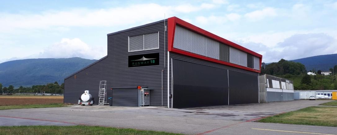 Hangar Runway18 Sàrl à Colombier Neuchâtel LSGN. Entreprise de maintenance et de réparation aéronautique.